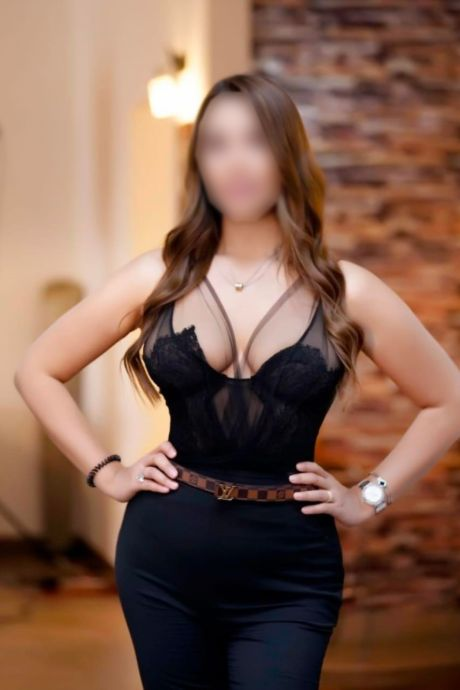 escorts in greater noida